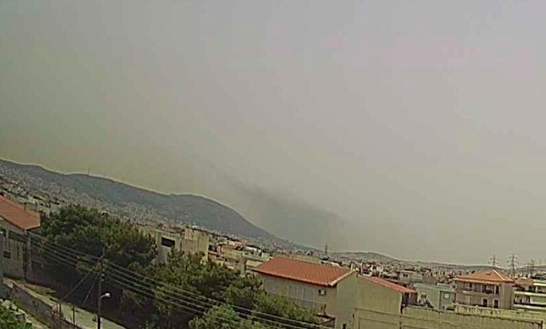 Πυρκαγιά εν υπαίθρω δίπλα στα ελληνικά πετρέλαια