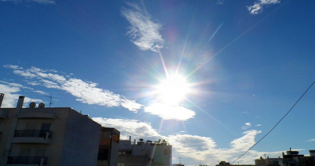 Καιρός: Ήλιος, ζέστη και σκόνη από την Αφρική