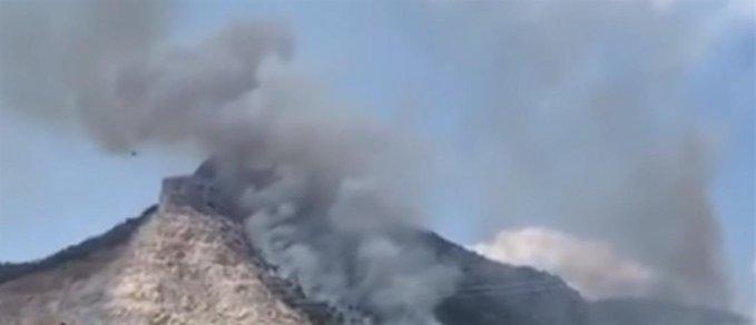 Πυρκαγιά στις Κεχριές: Εκκενώνεται η κατασκήνωση