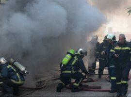 Τραγωδία στη Θεσσαλονίκη: 16χρονος ανασύρθηκε χωρίς τις αισθήσεις του από πυρκαγιά σε διαμέρισμα