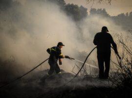 Πυρκαγιά εν υπαίθρω ΤΩΡΑ στα Πυροβολεία στον Κορυδαλλό Αττικής