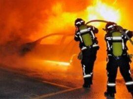 Πυρκαγιά σε 2 Ε.Ι.Χ. στο δήμο Ιλίου Αττικής