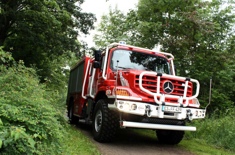 zetros fire truck with crew cab 3