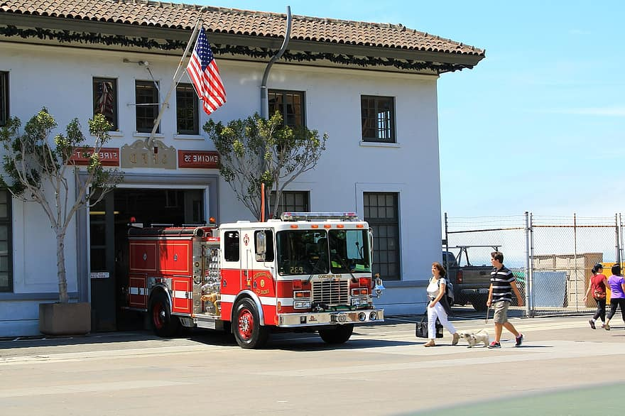 fire truck firefighters barracks usa united states of america truck