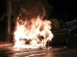 Θεσσαλονίκη: Στις φλόγες ΙΧ στη Νεάπολη – Πήρε φωτιά η μηχανή