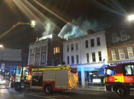 Λονδίνο: Φωτιά σε κτίριο στον κεντρικό δρόμο του Wood Green