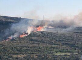 Μεγάλη πυρκαγιά ΤΩΡΑ στο Σίγρι Λέσβου