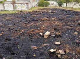 Πυρκαγιά σε οικοπεδικό χώρο στην Αρτέμιδα Αττικής
