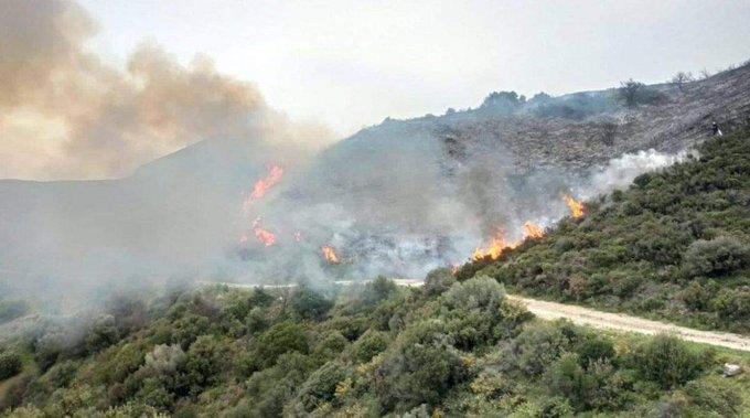 Υπό μερικό έλεγχο πυρκαγιά στο Μαλεβίζι Ηρακλείου