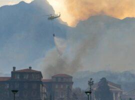 Πυρκαγιά σε όρος στο Κέιπ Τάουν προκάλεσε καταστροφές σε κτήρια του πανεπιστημίου