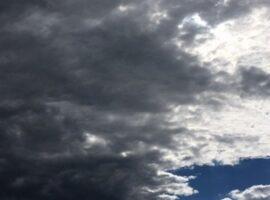 Καιρός: Πέφτει η θερμοκρασία – Σε ποιες περιοχές θα βρέξει