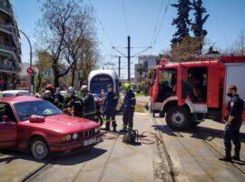 Τροχαίο με εγκλωβισμένο άτομο στην Αθήνα
