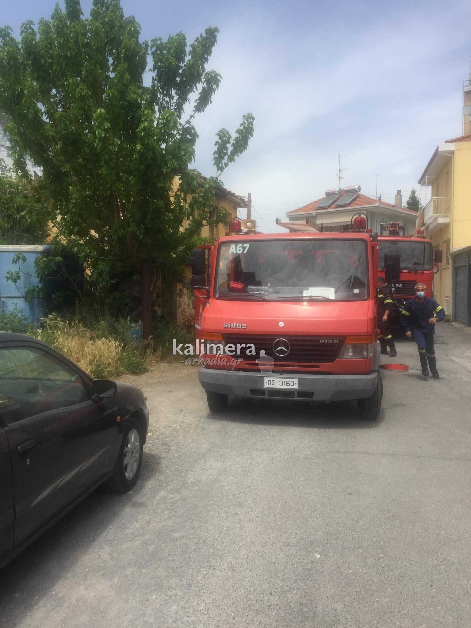 Πυρκαγιά σε εγκαταλελειμμένο σπίτι στην Τρίπολη (Φώτο)