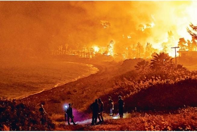 Καταστροφή στην Κορινθία: SOS από τους επιστήμονες για επικίνδυνες πυρκαγιές