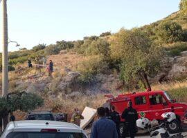 Πυρκαγιά εν υπαίθρω στην Ηλιούπολη Αττικής (Φώτο)