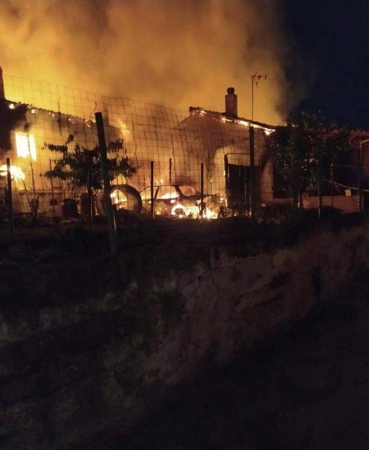 Πυρκαγιά σε 2 οικίες στον Έβρο.(φωτο)