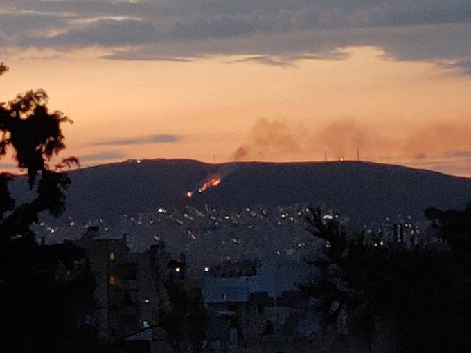 Πυρκαγιά ΤΩΡΑ σε χαμηλή βλάστηση στην Νίκαια Αττικής