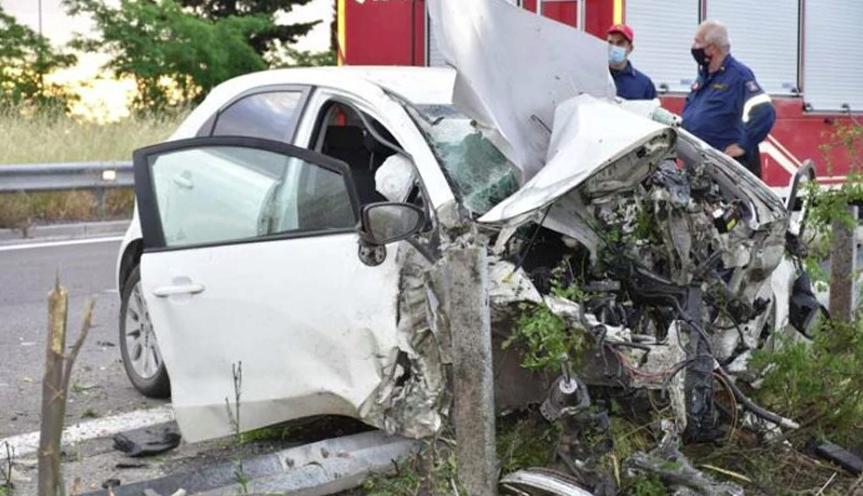 Σοκαριστικές εικόνες από τροχαίο δυστύχημα στην Ημαθία – Νεκρός ο 49χρονος οδηγός