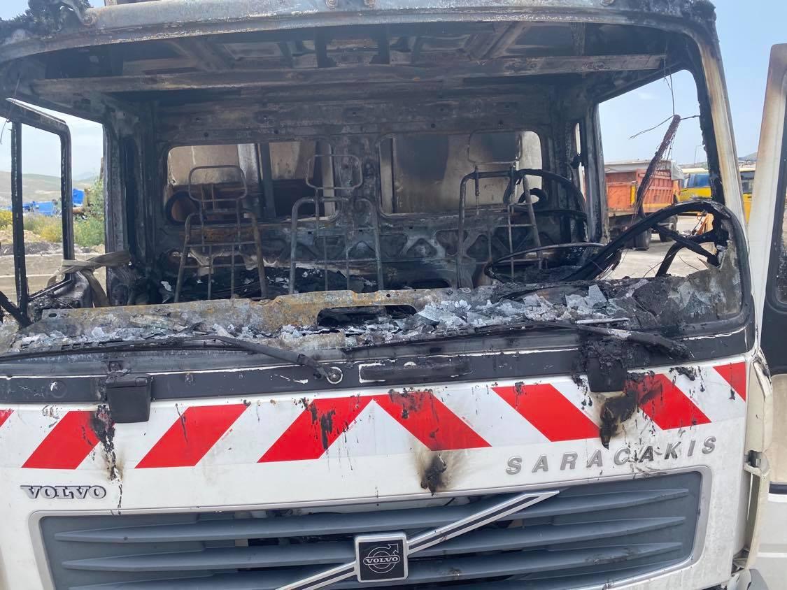 Πυρκαγιά σε απορριμματοφόρο του Δήμου Ηρακλείου (Φώτο)