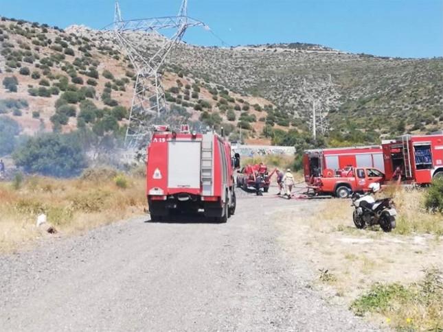 Πυρκαγιά σε χαμηλή βλάστηση στην Γλυφάδα