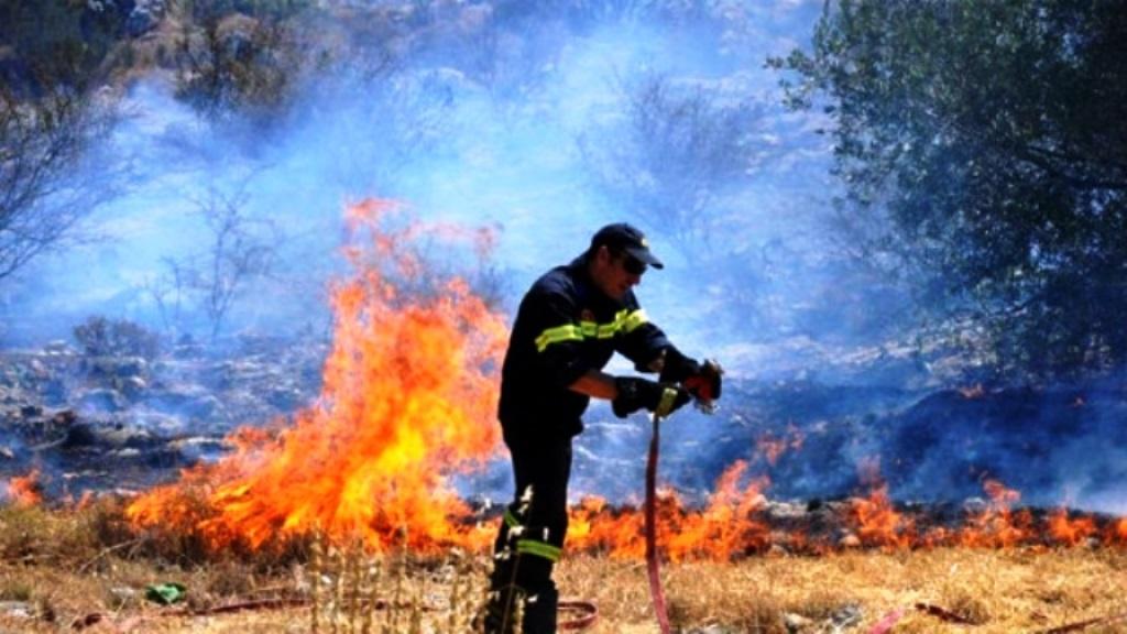 Πυρκαγιά εν υπαίθρω στην Πάτρα