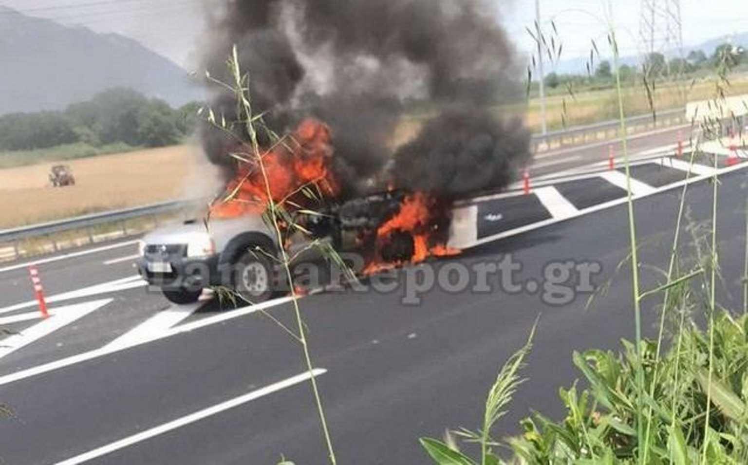 Πυρκαγιά σε Ι.Χ στην Εθνική Οδό Αθηνών – Λαμίας (Φώτο)