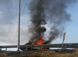 Πυρκαγιά σε Ι.Χ εν κινήσει στην Ε.Ο. Αθηνών – Κορίνθου (Φώτο)