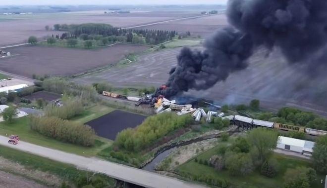 ΗΠΑ: Πυρκαγιά σε τρένο με επικίνδυνα υλικά