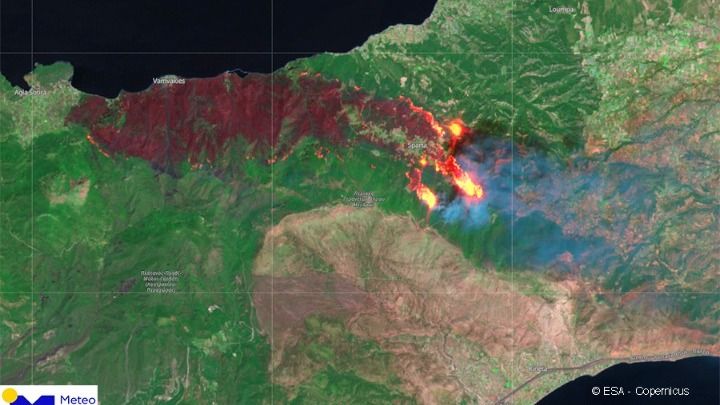 Η εικόνα της μεγάλης πυρκαγιάς στα Γεράνεια Όρη μέσω δορυφόρου
