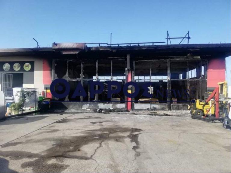 Καλαμάτα: Συνεργείο αυτοκινήτων καταστράφηκε ολοσχερώς απο πυρκαγιά.(Βίντεο)