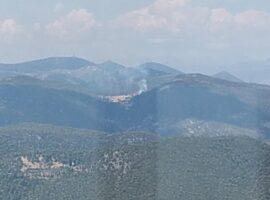 Πυρκαγιά ΤΩΡΑ σε δασική έκταση στον Αγιάννη Κορινθίας (Φώτο)