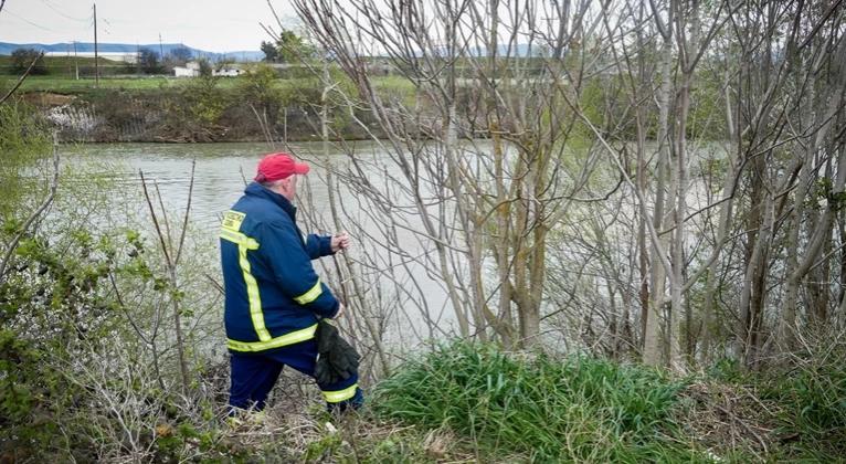 Συναγερμός σε πυροσβεστική και ΕΛ.ΑΣ – Αγνοείται γυναίκα στον Πηνειό ποταμό