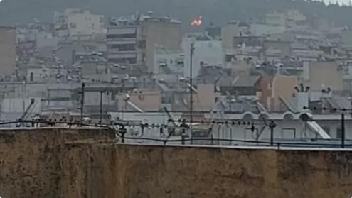 Πυρκαγιά σε εξέλιξη στο Άλσος Βείκου.(Φωτο)