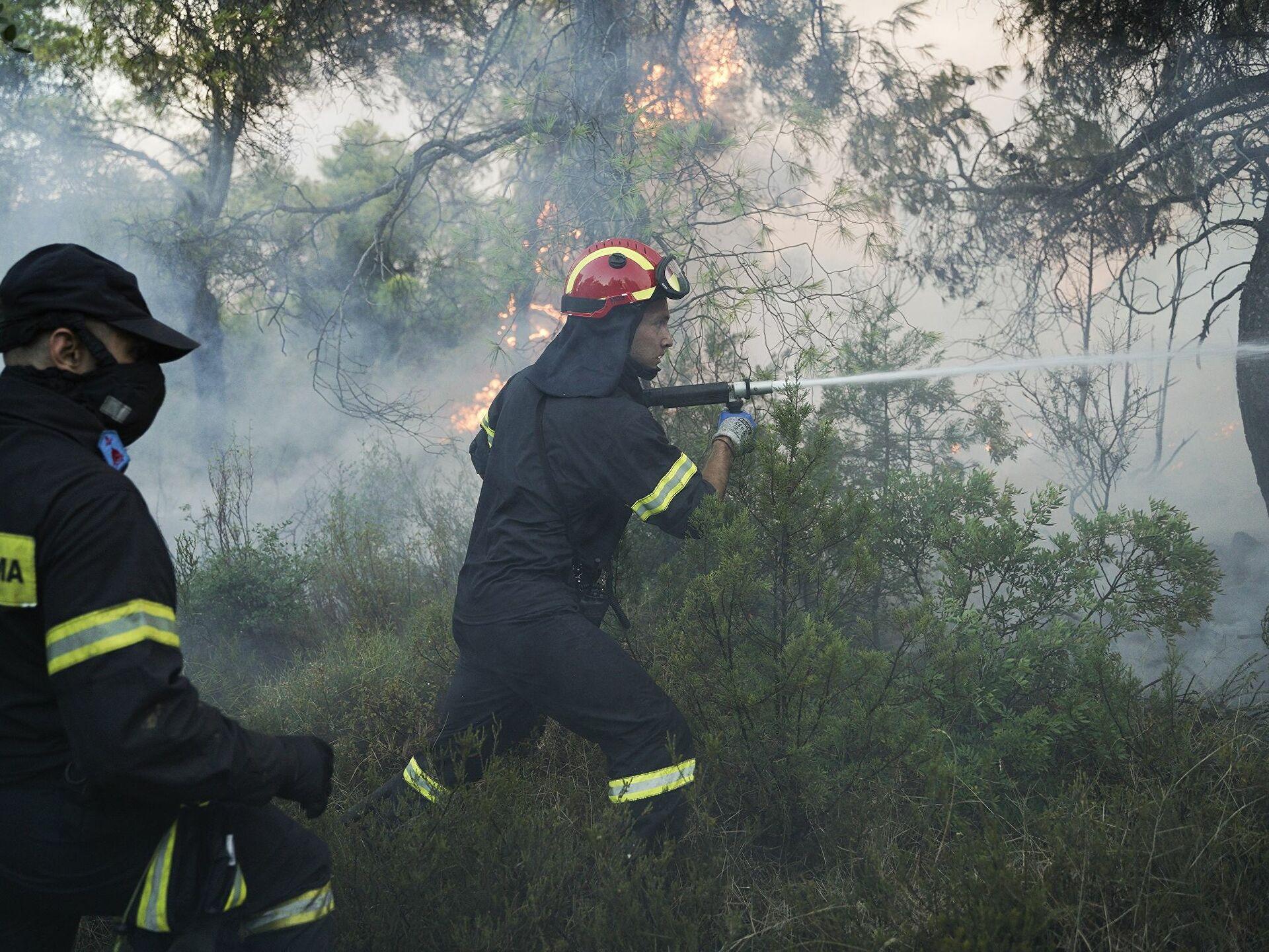 Πυρκαγιά εν υπαίθρω στο Ζευγολατιο Κορινθίας