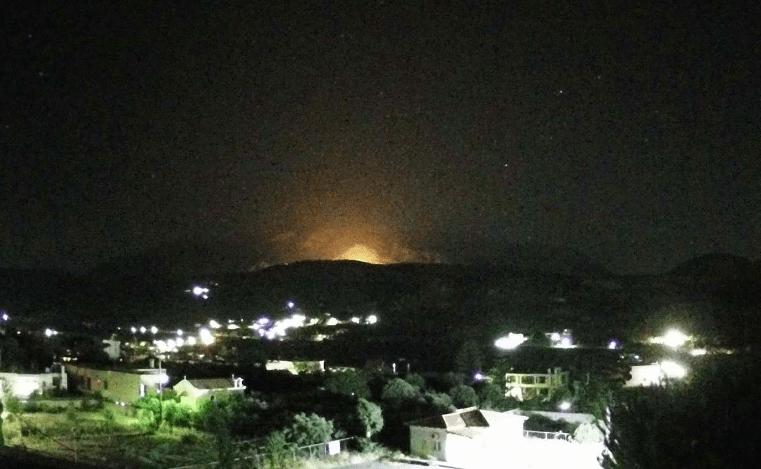 Πυρκαγιά ΤΩΡΑ στην περιοχή Κάτω Ασίτες Ηρακλείου Κρήτης (Φώτο)