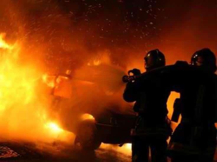 Πυρκαγιά σε 2 Ε.Ι.Χ. αυτοκίνητα στην Αθήνα