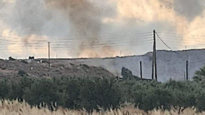 Πυρκαγιά σε χορτολιβαδική έκταση στην περιοχή Κοκκίνη Χάνι Ηρακλείου
