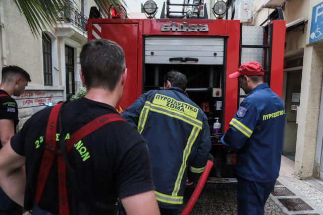 Πυρκαγιά ΤΩΡΑ σε κτίριο κατοικίας στους Αγίους Αναργύρους Αττικής