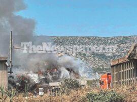 Πυρκαγιά στον αποθηκευτικό χώρο της Χαλυβουργίας του Βόλου (Φώτο)