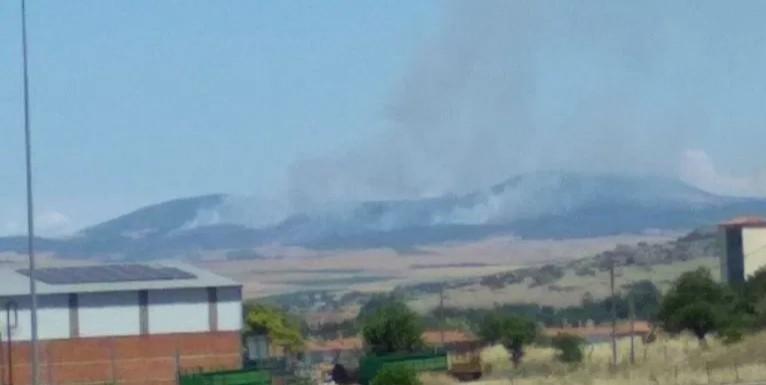 Λαρισα-Όλη νύχτα έκαιγε η πυρκαγιά στο Καλό Νερό-προσπάθεια να τεθεί σήμερα υπό έλεγχο