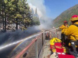 Καταπολέμηση πυρκαγιάς με πυροσβεστικό τρένο! (Βίντεο)