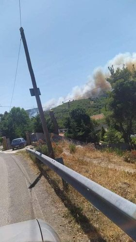 Πυρκαγιά ΤΩΡΑ σε δασική έκταση στον Βαρνάβα Αττικής (Φώτο)