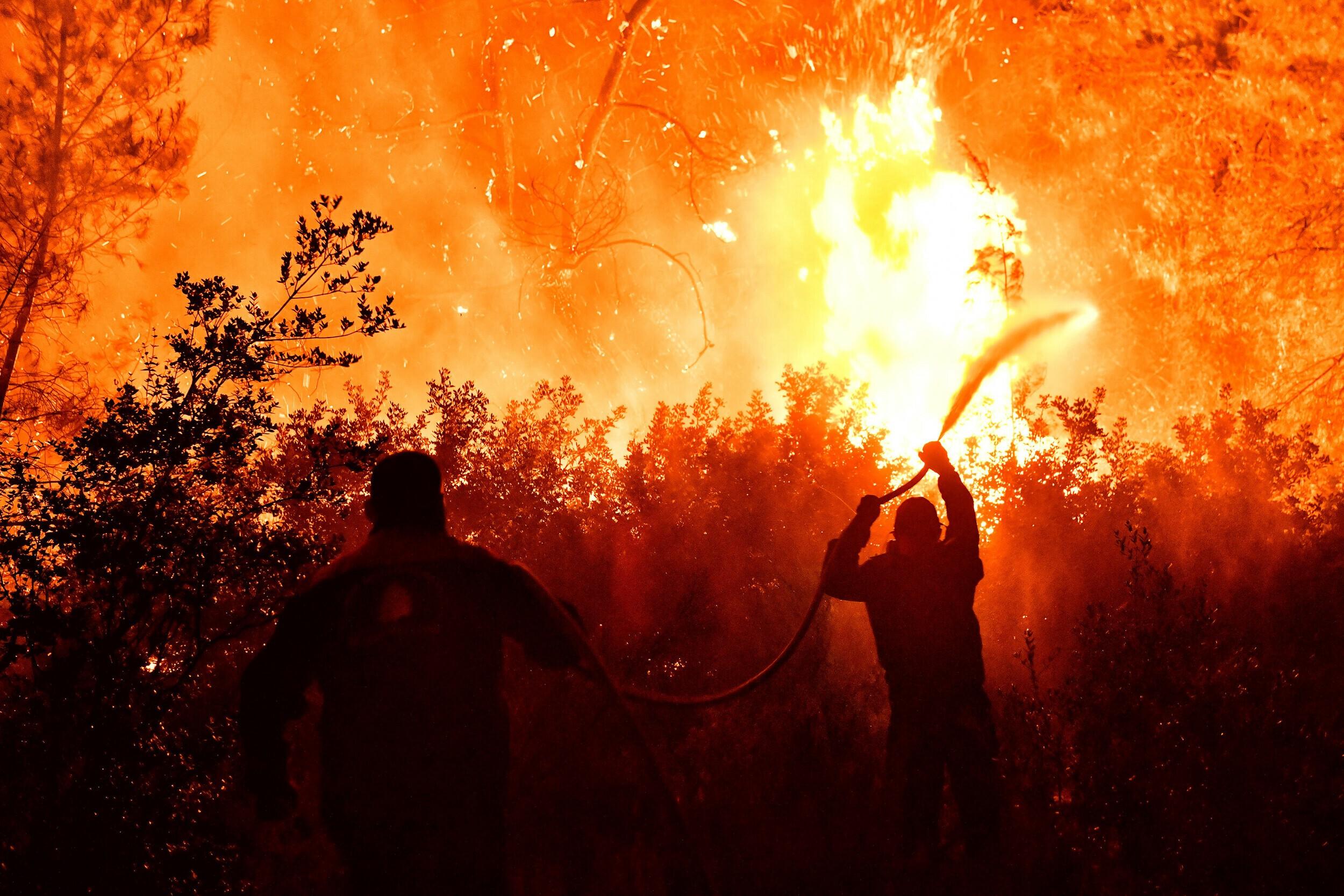 Ηράκλειο: Νυχτερινή πυρκαγιά σε χορτολιβαδική έκταση
