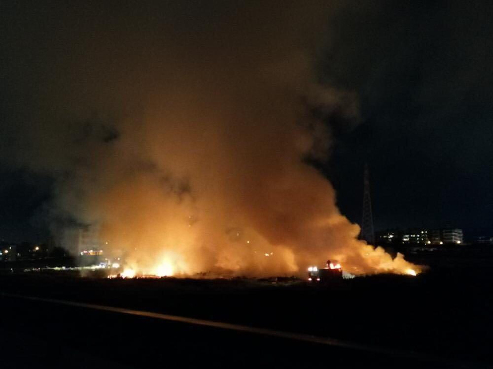 Πυρκαγιά ΤΩΡΑ σε οικοπεδικό χώρο στο Χαλάνδρι