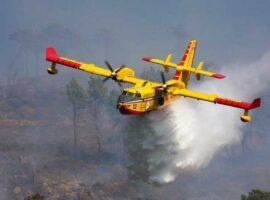 Μεγάλη πυρκαγιά στη Σαρδηνία – Η Ελλαδά έστειλε 2 αεροπλανα Canadair