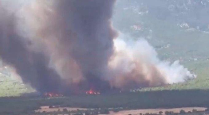 Πυρκαγιά στη Βαρυμπόμπη: Δραματική η κατάσταση - Μήνυμα από το 112 - Χωρίς ρεύμα περιοχές της Αττικής
