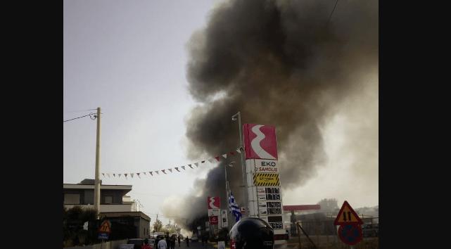 Πυρκαγιά σε μάντρα αυτοκινήτων στο Ηράκλειο Κρήτης
