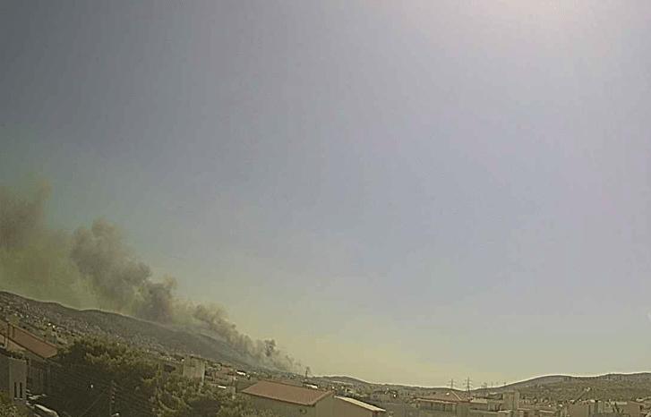 Πυρκαγιά σε χαμηλή βλάστηση στη Ζωφριά Άνω Λιοσίων