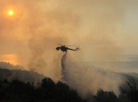 Πυρκαγιά στη Ρόδο: Εκκενώνεται το χωριό Μαριτσά – Μάχη με τις αναζωπυρώσεις