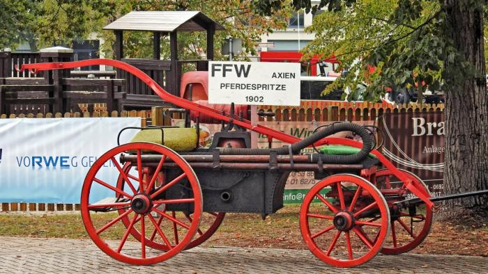 red fire carriage